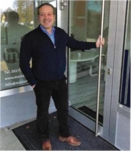 Der master-Geschäftsführer freut sich über den neuen Standort in Schildesche