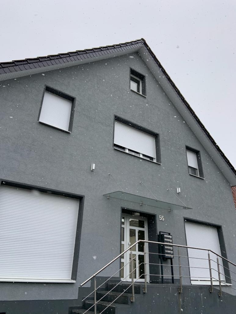 2 ZKB im DG inkl. Einbauküche in Schildesche nähe Media Markt zu vermieten!
